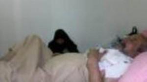 ابو حيدر وهو راقد في المستشفى